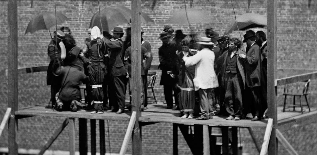 Execution of the Lincoln Conspiracy Plotters, Washington, D.C., July 7, 1865 , adjusting the nooses, zoomable image, more detail